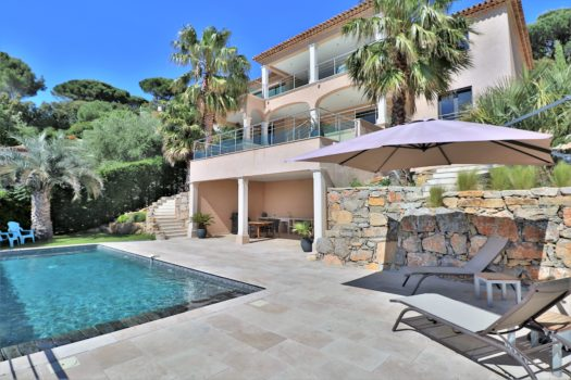New sea view villa close to Sainte-Maxime center