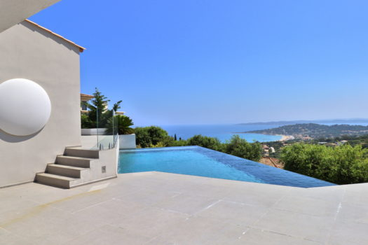 Contemporary sea view villa for sale in Sainte-Maxime