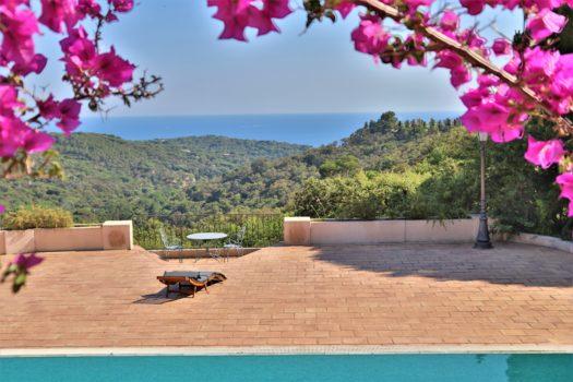 Provençaalse landhuis met zeezicht te koop in La Croix-Valmer