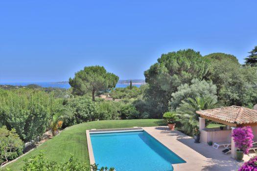 Villa vue mer à vendre proche golf de Beauvallon