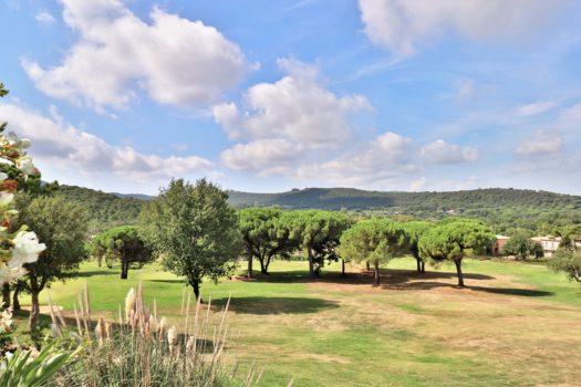 Maison de golfeur à vendre dans le domaine du golf de Saint-Tropez