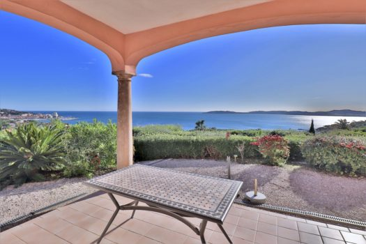 La Croisette: panoramic sea view villa close to the beach