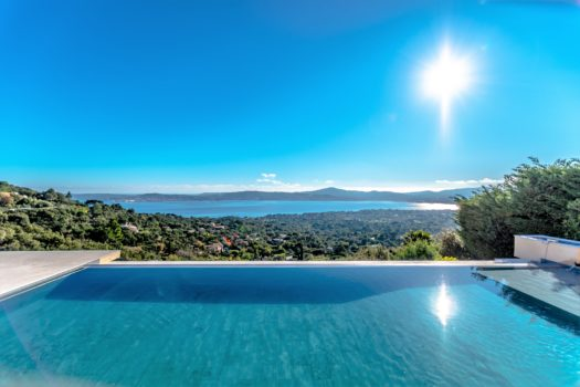 Luxury property with panoramic sea view for sale in Beauvallon