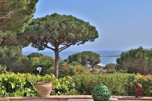 Sea view villa walking distance to La Nartelle beaches