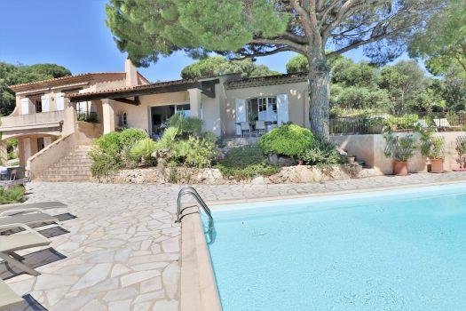 Panoramic sea view provençal villa for sale in Sainte-Maxime
