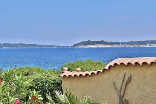 Villa vlak aan het water in de Golf van Saint-Tropez