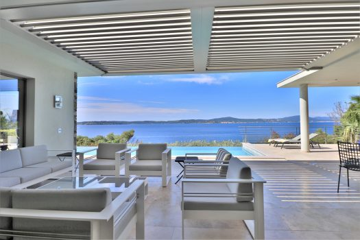 villa with panoramic sea view over the Gulf of Saint-Tropez