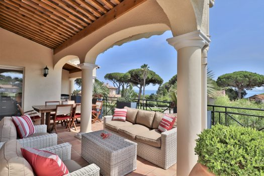 Sea view house for sale walking distance to La Croisette beaches