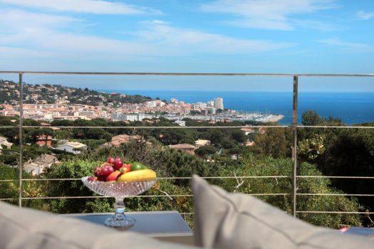 Villa vue mer de plain-pied à vendre à Sainte-Maxime