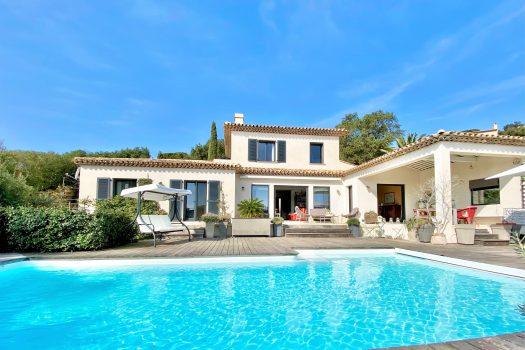Villa contemporaine à vendre au Domaine du Golf de Sainte-Maxime