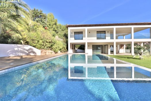 Villa contemporaine vue mer à vendre à Sainte-Maxime