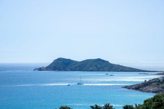 Californische villa met panoramisch zeezicht aan de voet van de stranden van l'Escalet te Ramatuelle