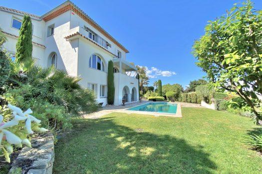 Villa belle époque vue mer panoramique à vendre à La Croisette à Sainte-Maxime