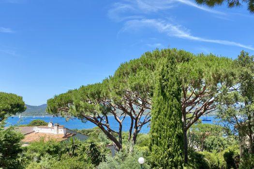 Villa vue mer à pied des plages à vendre au Domaine de Sinopolis